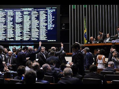 Câmara Hoje | 11/05/2017 - Aprovada em primeiro turno PEC que torna a vaquejada constitucional