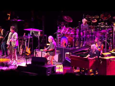 "DEAD AND COMPANY : ""Casey Jones"" : Shoreline Amphitheatre / Mountain View (July 3, 2018)"