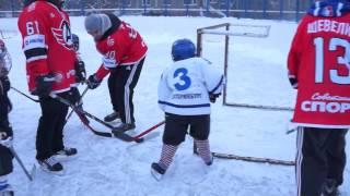 """""""Хоккей во дворе: в """"-20"""" поиграли от души!"""""""