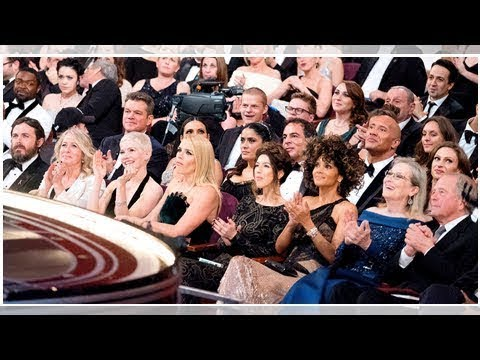Awards show audience reactions: funniest celebrity faces in the crowd