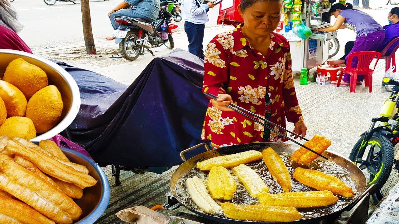 Đây là cách làm bánh tiêu, bánh quẩy của người Hoa 30 năm trên vỉa hè Sài Gòn | street food saigon