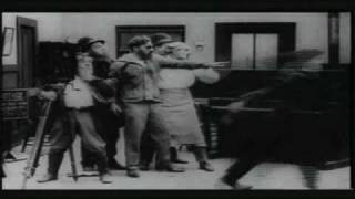 Charlie Chaplin - 1916 - behind the screen (1/4)
