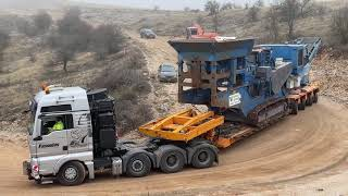 Transporting The Kleemann Jaw Crusher And Hitachi EX450 Excavator - Fasoulas Heavy Transports