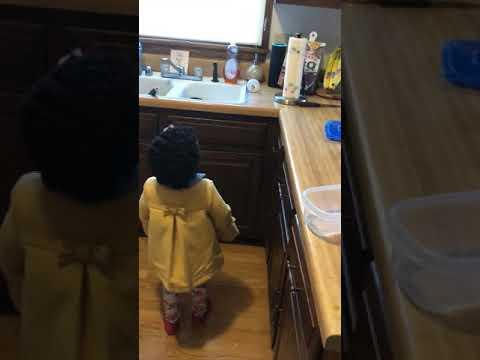 ALEXA! Play Baby Shark - YouTube