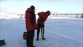 Буріння льодобуром Iceberg з ножами мокрий лід і шуруповертом