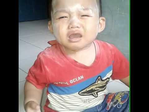 Air mata bawang nih anak