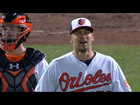 MIN@BAL: O'Day strikes out the side for the save