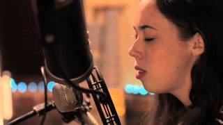 "Sarah Jarosz ""Ring Them Bells"" : The Americana Sessions"