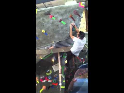 City Beach Fremont   Rock Gym   how to climb Green-V4