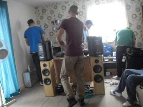 DJ STOMPIN TOM & MC STARSCREAM
