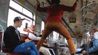 Приколы в метро!