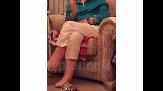 Внук включил бабушке очки виртуальной реальности|Grandson including granny glasses virtual reality