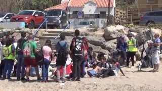 Estudantes de Sintra estudam a linha costeira em deslocação à Praia Grande.