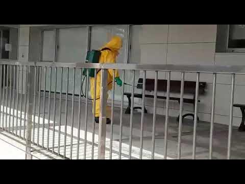 O Servizo de Emerxencias Municipais de Cervo desinfecta as rúas dúas veces ao día