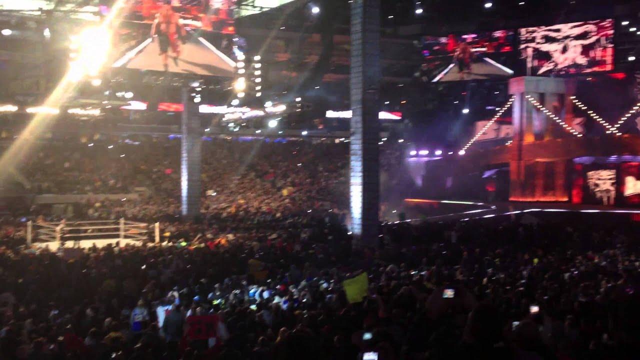 Brock Lesnar Entrance Wrestlemania 29 - YouTube