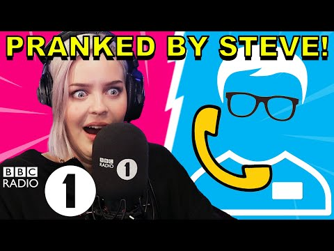 How do you know THAT!? : Anne-Marie PRANKED by Superfan Steve