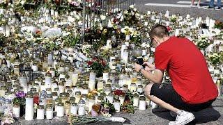 Minuto de silêncio em Turko depois do atentado com arma branca