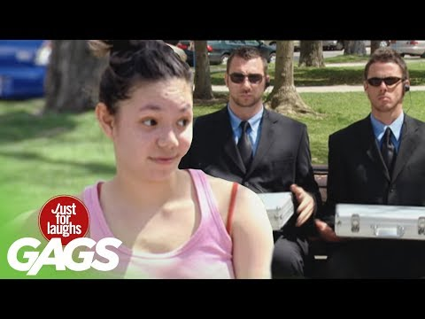 Man Freezes To Death Prank - Just For Laughs Gags