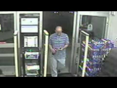 Carjacking Suspect at Walgreens 30th and Dodge Oct 3 - YouTube
