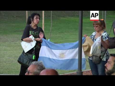 Argentina remembers Holocaust victims