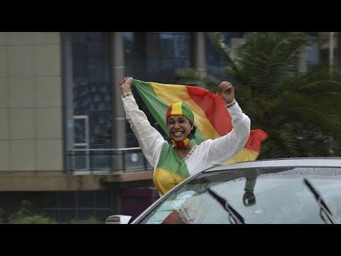 شاهد: آلاف الإثيوبيين يحتفلون بقرب اكتمال بناء سد النهضة…  - نشر قبل 4 ساعة