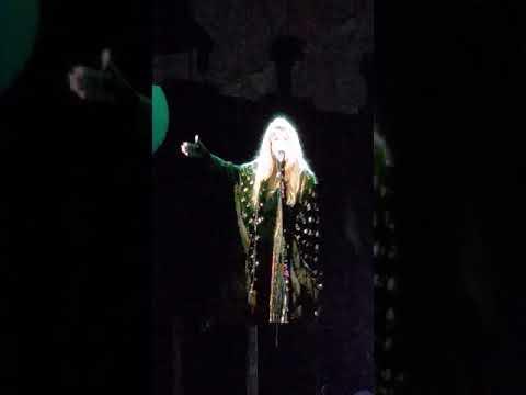 Stevie-Nicks-talking-about-Prince-💜