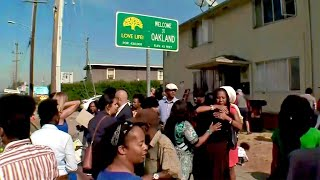 Oakland's 'Love Life' Welcome Sign In Tribute to Black Daughter , Stolen