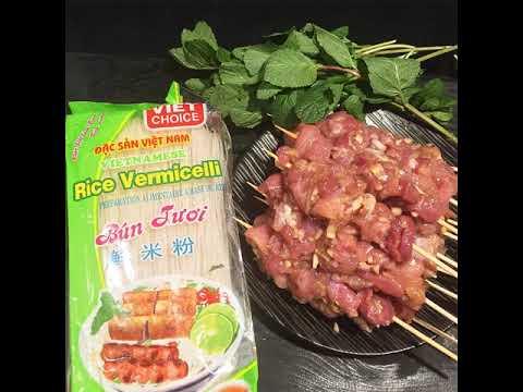 brochettes-de-porc-grillées-à-la-citronnelle---bún-thịt-nướng---recette-vietnamienne