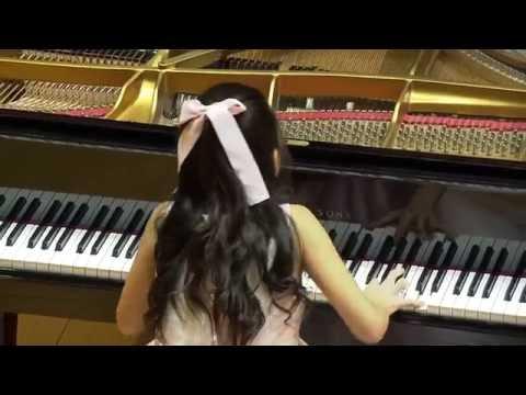 Emily (10) solo piano concert debut - Beijing Concert Hall 北京音乐厅钢琴独奏会