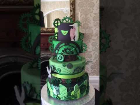 Wicked themed moving cake
