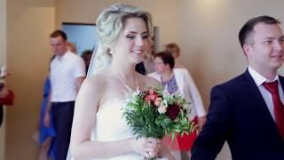 Провальная свадебная регистрация.  Красивая невеста в свадебном видео
