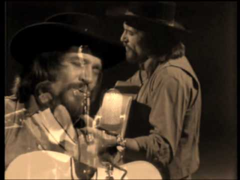 Waylon Jennings  (Anita Carter)       Rings of Gold