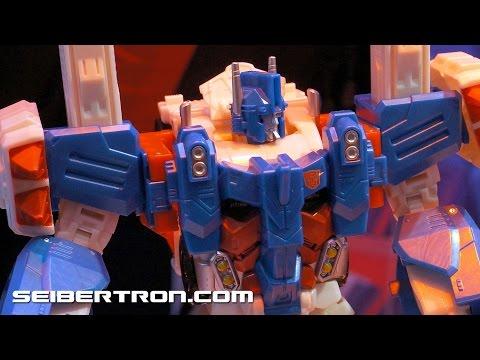 Transformers Combiner Wars Ultra Magnus with Minimus Ambus Demo Toy Fair 2015