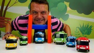 Tayo el Pequeño Autobús. ¡ Vamos a construir un parking de juguete!