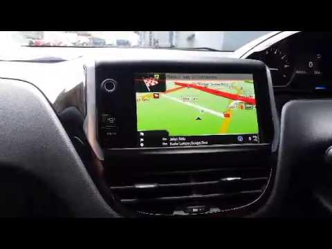 peugeot 208 navigation gps and rear camera youtube. Black Bedroom Furniture Sets. Home Design Ideas