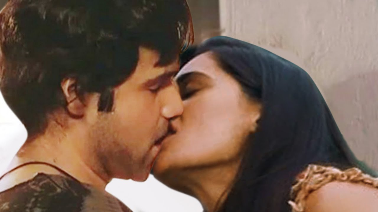 Kiss Emraan hashmi all