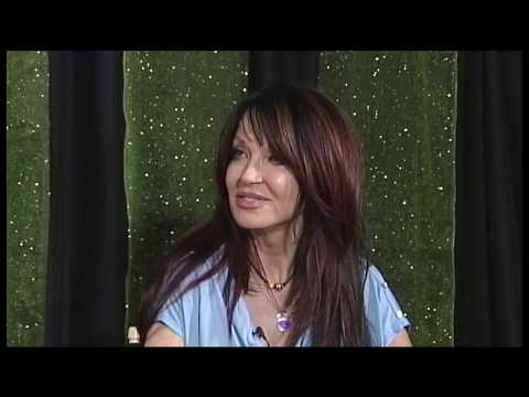 """Recording Artist and Fashion Designer """"DiDi J"""" with Holly Anderson"""