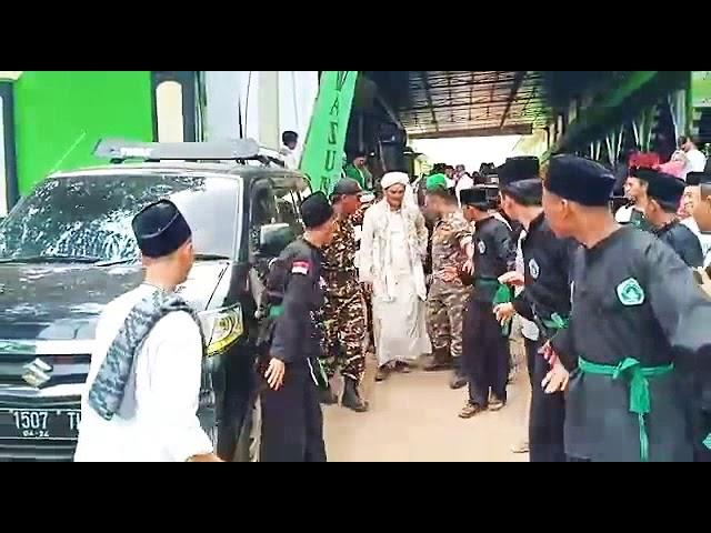 Detik2 Penyambutan Habib Umar di Pon-Pes Attawazun Subang disambut Banser, Pagar Nusa dan Santri