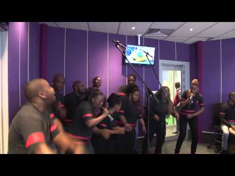 Soweto Gospel Choir  - Emarabini