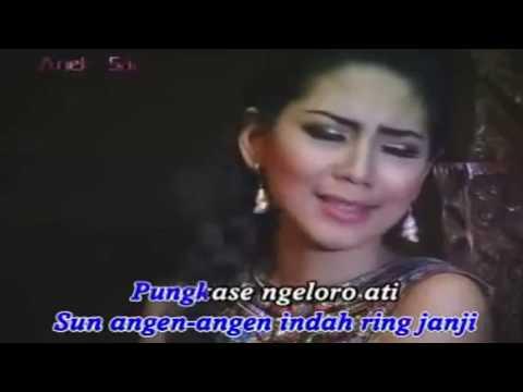 MENTOLO _voc_ KIKI ANGGUN - [Official Video]