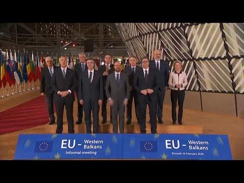 Ue, verso una nuova apertura ai Balcani