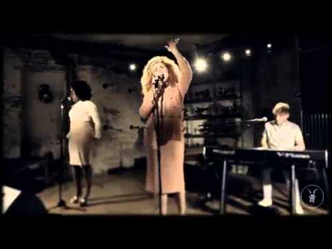 Paloma Faith 'Picking up The Pieces'   AllSaints Basement Sessions