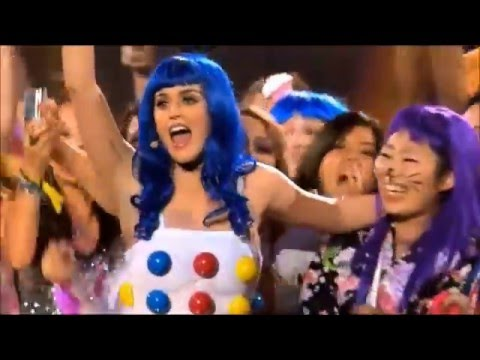 Katy Perry - I Wanna Dance with Somebody Who Loves Me (DVD Live)