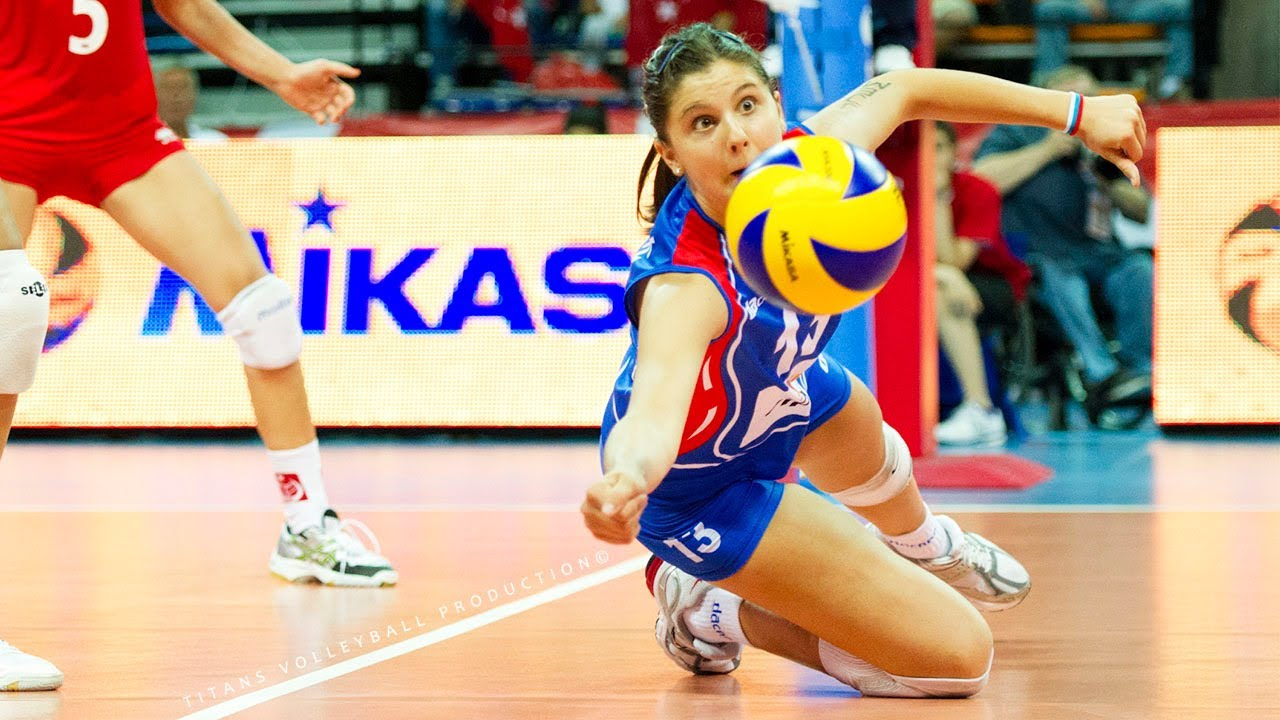 One Handed Volleyball Sets and DUMP BALL by Sladjana Markovic - Unbelievable Volleyball Setter