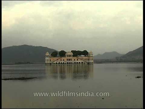 Jal Mahal Palace amidst Man Sagar Lake in Jaipur, Rajasthan