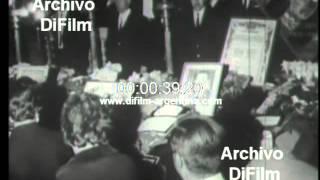 DiFilm - Funeral de los jugadores del club The Strongest 1969