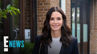 courteney-revisits-iconic-friends-apartment-news