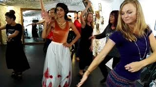 Our lovely yogis join a flamenco workshop before we go to the show. was in el sacromonte, root of music and dance. what dancers!!