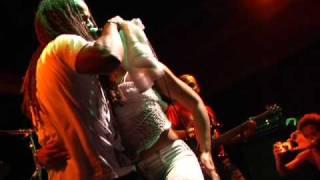 "Kes the Band: ""Right Dey"" Live from Temple Bar, Santa Monica CA"