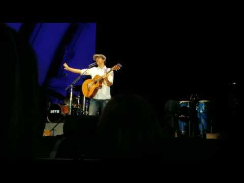 "Jason Mraz - ""Chocolate"" at the Hollywood Bowl"